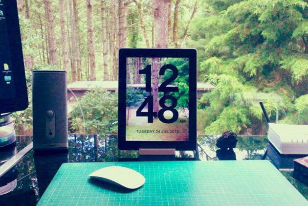 Chameleon-Clock-App-for-Apple-iPad