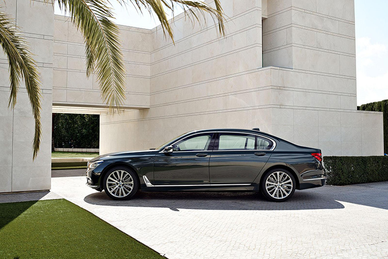 2016 Bmw 7 Series And M Sport4
