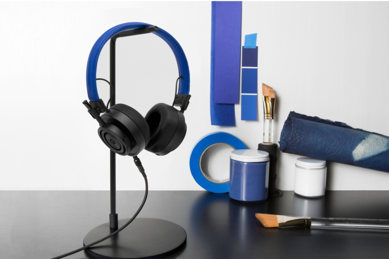 colette-edition-master-dynamic-headphones