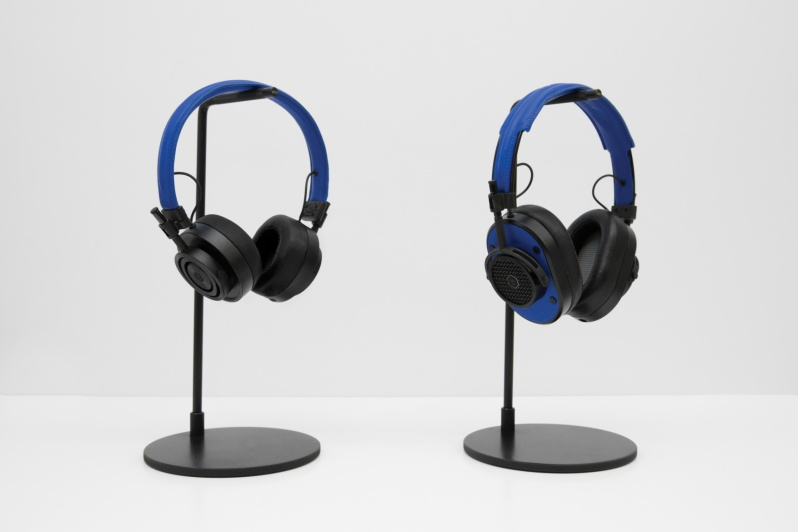 colette-edition-master-dynamic-headphones2