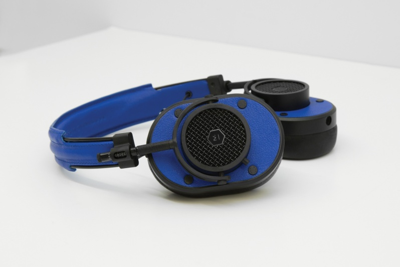 colette-edition-master-dynamic-headphones4