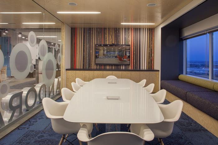 pandora-boston-office-design5