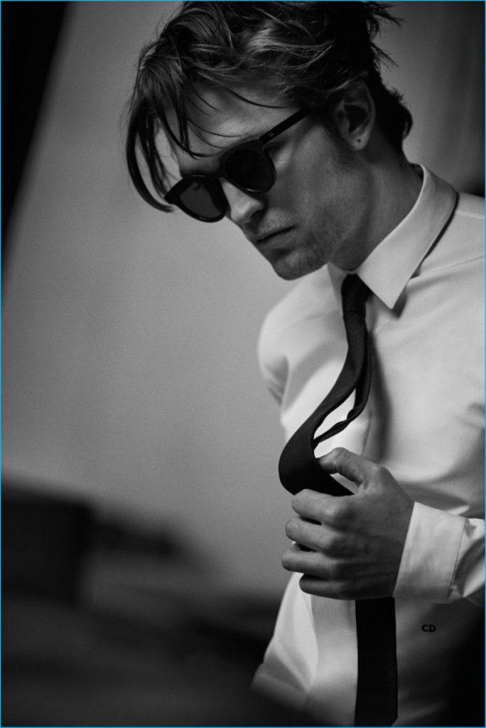 Robert-Pattinson-2016-Dior-Homme-Photo-Shoot2