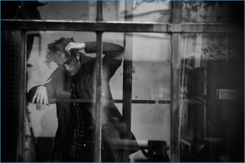Robert-Pattinson-2016-Dior-Homme-Photo-Shoot5