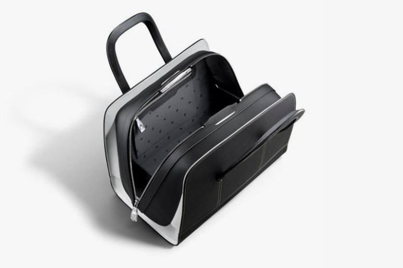 rolls-royce-unveils-a-46000-luggage-set-to-complement-the-wraith4