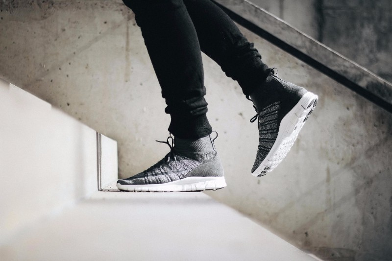 5dc6264736c7 A CLOSER LOOK AT THE NIKE FREE FLYKNIT MERCURIAL – DARK GREY   WOLF GREY –  SUMMIT WHITE