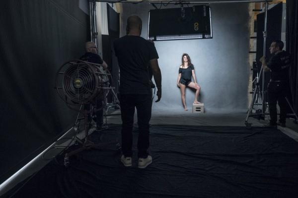 behind-the-scenes-2017-pirelli-calendar4
