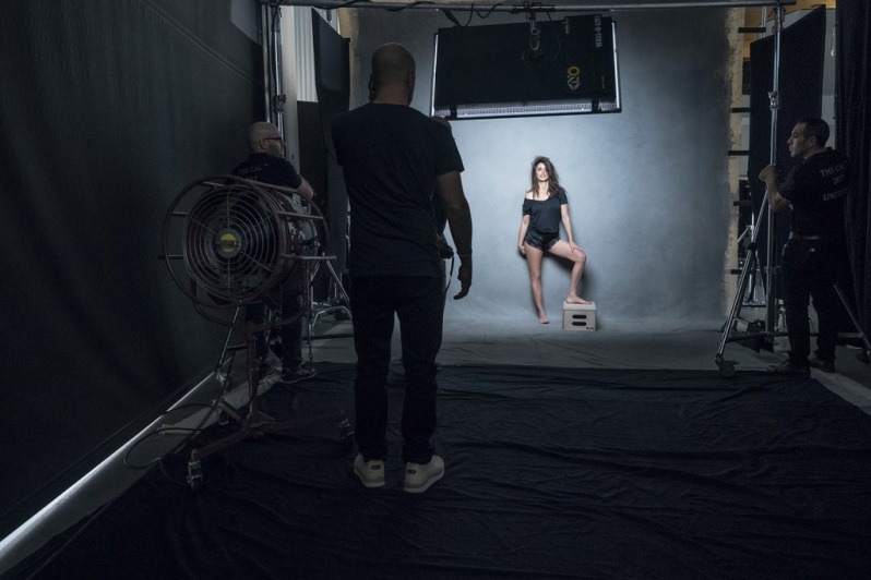 behind-the-scenes-2017-pirelli-calendar4