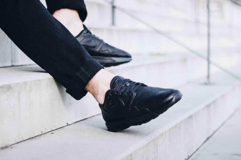 new concept 2cd77 99aba Nike Lunar Flow All Black3