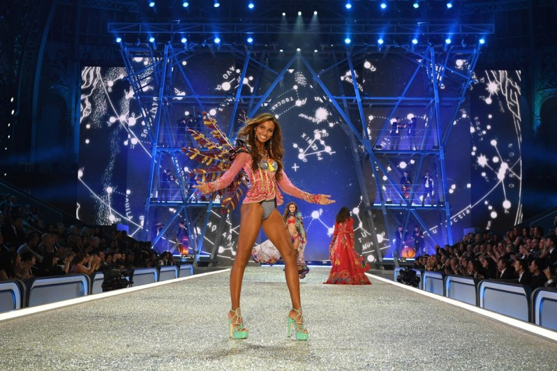 victorias-secret-2016-show-paris-look20
