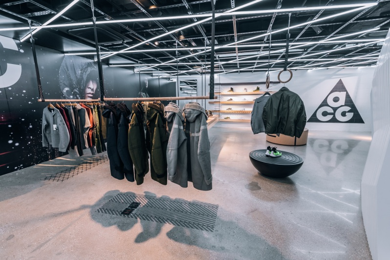 inside-nikelab-chicago3