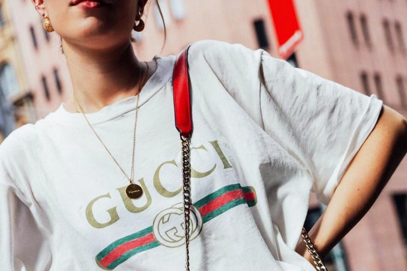 gucci-vintage-logo-t-shirt