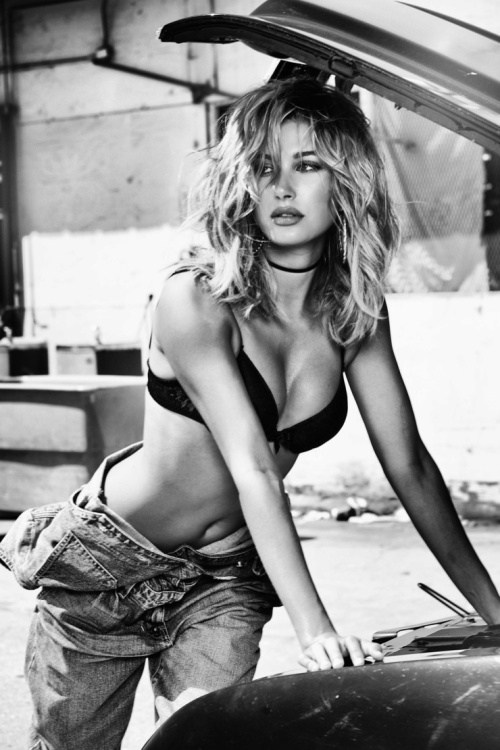 hailey-baldwin-guess-35th-anniversary-campaign