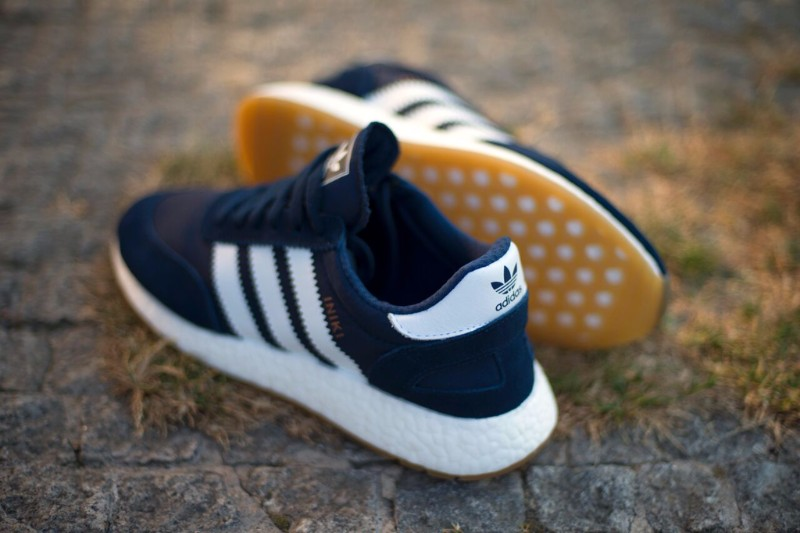 buy popular ff7fe 85bd1 A CLOSER LOOK AT THE ADIDAS ORIGINALS INIKI RUNNER NAVY