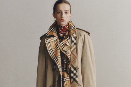 b31f81e9be63 BURBERRY REIMAGINES ITS ICONIC HERITAGE TRENCH COAT ...