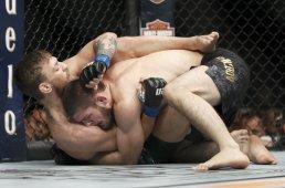 Nurmagomedov defeats McGregor UFC 229-4
